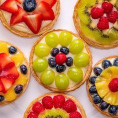 Cake Recipes, Dessert Recipes, Mini Tart, Food Quotes, Food Cakes, Food Packaging, Food Design, Diy Food, Food Truck