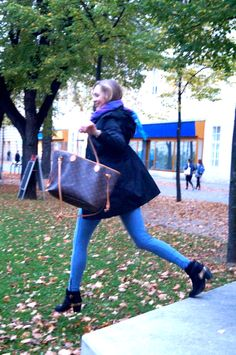 Casual and super stylish fall-outfit Models, My Outfit, Knee Boots, Fall Outfits, Stylish, Casual, Fashion, Autumn, Moda