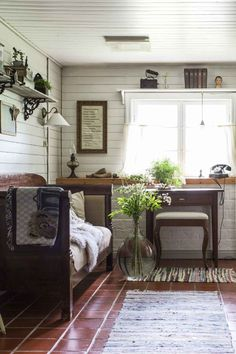 The old barn became the home of Johanna 's family We have a home Creation Deco, Scandinavian Home, Industrial Chic, Sitting Area, Kitchen Flooring, B & B, Sweet Home, Relax, Living Room
