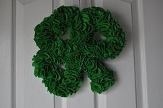 Shamrock Wreath: Directions