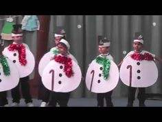 Festival de Navidad 2015 - Infantil y Primaria - Happy Christmas - Noel 2020 ideas-Happy New Year-Christmas Spanish Christmas Songs, Christmas Dance, Christmas Program, Christmas Concert, Diy Christmas Costumes, Christmas Decorations, Family Christmas Pictures, Christmas Shows For Kids, Xmas Songs