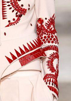 via By Sasha - Givenchy - gorgeous detail Couture Details, Fashion Details, Fashion Design, Runway Fashion, High Fashion, Womens Fashion, Fashion Art, Textiles, Glamorous Chic Life