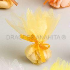 Tulle à dragées moutarde vendue à l'unité. Pour un mariage thème nature ou sur les couleurs d'automne