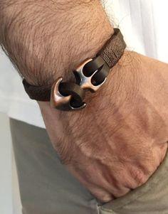 Mens leather navy bracelet with anchor Closure Diy Leather Bracelet, Leather Jewelry, Men's Jewelry, Jewellery, Cool Mens Bracelets, Fashion Bracelets, Men's Accessory Box, Nautical Bracelet, Leather Men