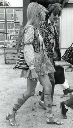Hippies: Pattie Boyd and George Harrison 60s And 70s Fashion, Retro Fashion, Boho Fashion, Vintage Fashion, 1960s Fashion Hippie, 1970s Hippie, Hijab Fashion, Spring Fashion, Fashion Tips