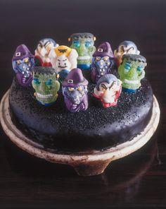 Ghoul-Graveyard Cake