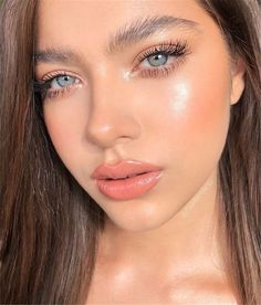 Pretty And Fresh Makup Looks For You To Start Your Year ; Makeup Looks; Fresh Makeup Looks; looks # freshmakeup Pink Eye Makeup, Neutral Makeup, Glossy Makeup, Glam Makeup, Skin Makeup, Makeup Inspo, Eyeshadow Makeup, Makeup Inspiration, Glowy Skin