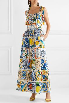 Find and compare Pleated printed cotton-poplin jumpsuit across the world's largest fashion stores! Fashion Moda, Look Fashion, High Fashion, Elegante Y Chic, Simple Dresses, Summer Dresses, Classy Outfits, Couture Fashion, The Dress