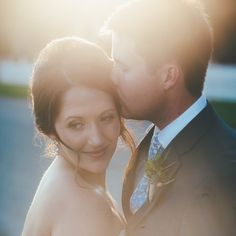 This gorgeous outdoor Florida wedding is full of beautiful sunshine, lots of smiles and the most perfect first look.