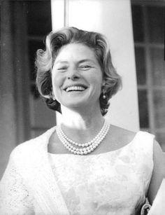 Ingrid Bergman. beautiful smile.                              …