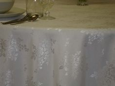 White Flowers, reversable, 320 cm Round/216x320 cm rectangular/Special Size damask tablecloths, Table runners, Napkins. Easy clean, Quick dry. Long life.