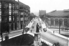 Plaza 16 de agosto, Puerta de la Villa, Avda. Constitución.