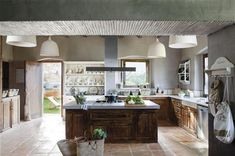 Passion in Provencal cooking ElMueble.com · Kitchens and bathrooms