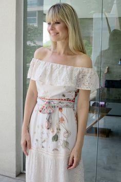 a2d5d034f6 Look Paula Martins - AMISSIMA Verao 2016 - Vestido longo com recorte de  renda6