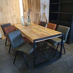Dining Room Design, Dining Area, Kitchen Design, Interior Architecture, Interior Design, Built In Desk, Dinner Table, Home Living Room, Decoration