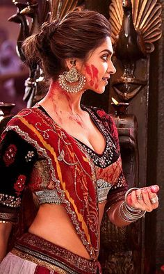 Hot, Sexy and Bold Deepika Padukone in Ramleela