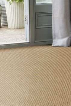 Seagrass Balmoral Basketweave natural flooring, the perfect carpet for a natural light hallway. Best Carpet, Diy Carpet, Modern Carpet, Rugs On Carpet, Carpet Ideas, Basement Carpet, Carpet Stairs, Carpet Flooring, Hallway Carpet