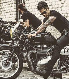 Boss #caferacer #caferacerinspo #cafetacersofinstagram #moto #motorcycle #bratstyle #honda #yamaha #cb550 #bmw #suzuki by caferacerinspo