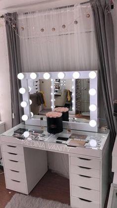 My vanity mirror 😍 - adolescente mirror vanity - adolescente mirror My vanity mirror 😍 - adolescente mirror vanity - adolescente mirror Impressions Vanity Co. Bedroom Makeup Vanity, Vanity Room, Makeup Room Decor, Vanity Decor, Vanity Ideas, Ikea Makeup Vanity, Makeup Desk, Makeup Vanities, Bathroom Vanities