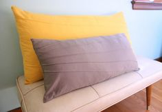 sunburst pillow tutorial! (pleated/tucked)