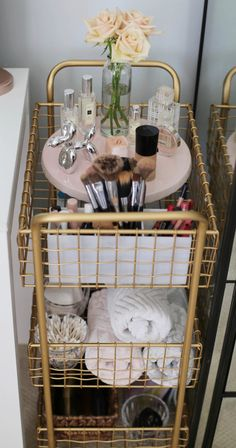 Cart 3 Ways || Office, Bar & Vanity - Styled By Kasey Vanity Set Up, Vanity Room, Vanity Cart, Small Vanity, Vanity Ideas, Beauty Room Decor, Makeup Room Decor, Room Ideas Bedroom, Bedroom Decor