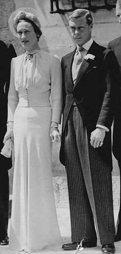 Britain's  Duke of Windsor  married American divorcee Wallis Simpson in France following his abdication as King Edward VIII on this day 26th June, 1937.   (Wedding of Wallis Simpson now Duchess of Windsor - 1937)