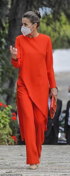Pretty Outfits, Chic Outfits, Look Zara, Zara Trousers, Style Royal, Vestidos Zara, Spain Fashion, Estilo Real, Royal Fashion