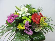 Bouquet Primaveral de Floristería Iris con tiendas en Las Rozas Torrelodones, asociada a nuestra web www.flores.apanymantel.com para cubrir a domicilio Las Rozas y Torrelodones.