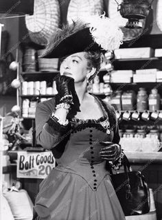 Bette Davis from her TV Wagon Train appearance 720-08