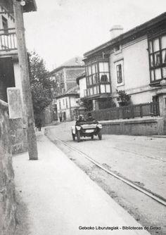 """Avenida Algorta, a la altura del antiguo bar Gurugú, años 20 (Cedida por Ignacio Azaola """"Canario"""") (ref. 04226)"""
