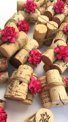 Rustic wedding style with a gorgeous twist! Our Classic 3-cork Place Card Holders start with 3 hand-selected, vintage wine corks that are bound together and tied with rustic twine. A handmade petite r