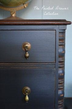Vintage Chest of drawers, Painted Black Furniture, Vintage Detail, General Finishes Chalk Style Paint, Empire Gray, Pepper Black, Painted Furniture