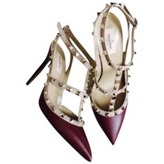 Pre-owned Valentino Rockstud Oxblood Pumps (€905) ❤ liked on Polyvore featuring shoes, pumps, heels, oxblood, oxblood shoes, valentino pumps, heel pump, oxblood pumps and valentino shoes
