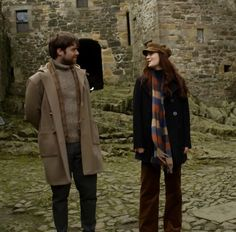Chemistry #OutlanderFinale #outlander #dragonflyinamber Bree and Roger