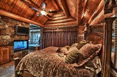 Log Cabin bedroom love this comforter Log Cabin Bedrooms, Log Cabin Living, Log Cabin Homes, Log Cabins, Dream Rooms, Dream Bedroom, Cozy Bedroom, Bedroom Ideas, Hipster Decor