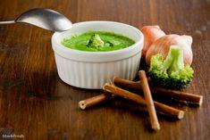 stockfresh 1298240 broccoli-soup sizeM