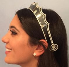 Tiara Mania: Blackened Steel Tiara worn by Noor Fares Royal Tiaras, Tiaras And Crowns, Royal Jewelry, Jewellery, Royal Brides, Girls Best Friend, Cartier, Bling, Jewels