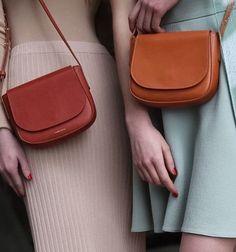 Womens Handbags : Mansur Gavriel Crossbody Source by and purses crossbody Burberry Handbags, Chanel Handbags, Luxury Handbags, Purses And Handbags, Fashion Handbags, Fashion Bags, Cheap Handbags, Designer Handbags, Style Fashion