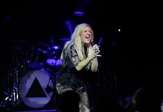 Pin for Later: This Week's Can't-Miss Celebrity Photos  Ellie Goulding gave an emotional performance at a concert in Toronto.