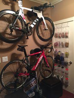 Creative indoor bicycle wall mount hanger bike rack triathlon storage cycloc solo cervelo