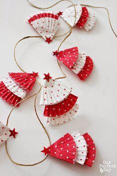 Новогодние гирлянды из разнообразных материалов - Ярмарка Мастеров - ручная работа, handmade