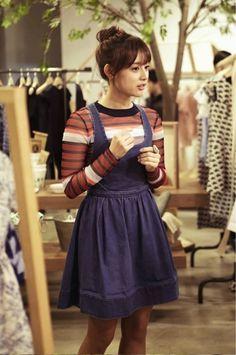김지원 / Kim Ji-Won Fall Fashion Skirts, Autumn Fashion, Korean Beauty, Asian Beauty, Korean Celebrities, Celebs, Asian Woman, Asian Girl, Yoo Ah In