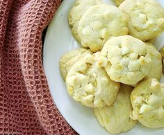 White #Chocolate Chip #Cookies via @diethood