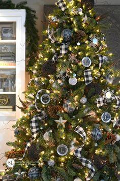 black and white plaid buffalo check christmas tree - Christmas Black And White