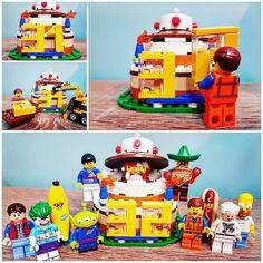 Putain ... 32 ans  !   Damn it ... 32 years old !  #Lego #Birthday #Emmet #PizzaPlanetAlien #Joker #BananaGuy #HotDogMan #HomerSimpson #DocBrown #MartyMcFly #Zidane #MaracaMan #Minifigs #Minifigures #Legogram #Legostagram #Instalego #LegoPhotography #Bricks #ToysPhotography #Afol #LegoAddict #LegoVIP #Creativity #ILoveLego #LegoMoments #Legoart #Legolife #brickculture