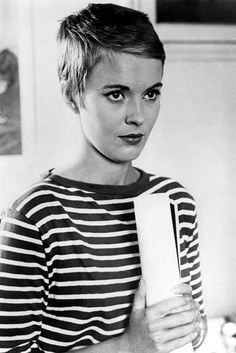 Jean Seberg w/ side-parted blond pixie cut Very Short Pixie Cuts, Best Pixie Cuts, Short Pixie Haircuts, Short Haircut, Pixie Hairstyles, Celebrity Hairstyles, Super Short Pixie, Jean Seberg, Audrey Hepburn Pixie