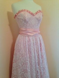 Pretty In Pink Lace 70s Vintage GUNNE SAX Grad by VintageEclectica, $125.00..my prom dress in 85...I loved that dress.