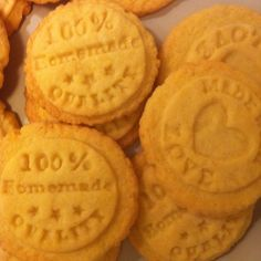 Máslové sušenky podle receptu Marty Steward Martha Stewart, Cookies, Baking, Sweet, Desserts, Food, Candy, Crack Crackers, Tailgate Desserts