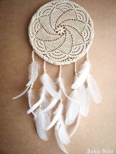 Dream catcher - white mandala - unique dream catcher with white handmade crochet web and white feathers - mobile, home decor, decoration Los Dreamcatchers, Crochet Projects, Craft Projects, Dream Catcher White, Dream Catchers, Feather Mobile, Do It Yourself Baby, Diy And Crafts, Arts And Crafts