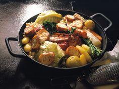 Deftiger Kohl-Kartoffel-Topf mit Käse-Crostini ist ein Rezept mit frischen Zutaten aus der Kategorie Eintöpfe. Probieren Sie dieses und weitere Rezepte von EAT SMARTER!